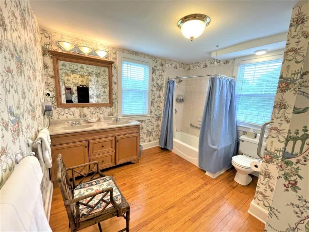 Bathroom 420