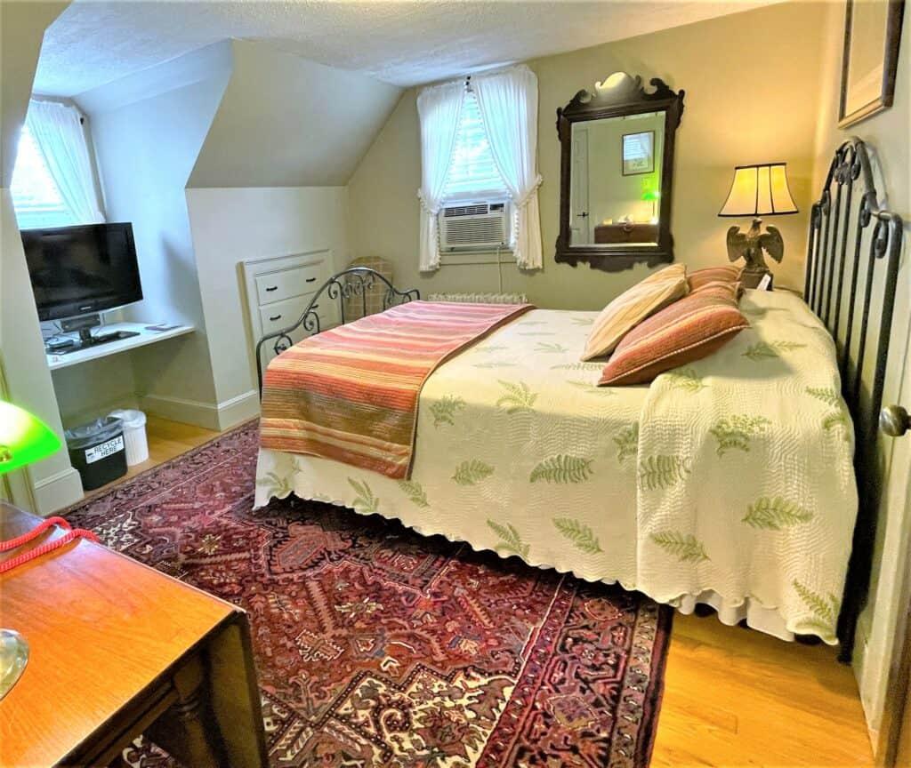 Bedroom 421